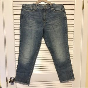 NWT Universal Threads High Rise Straight Jeans